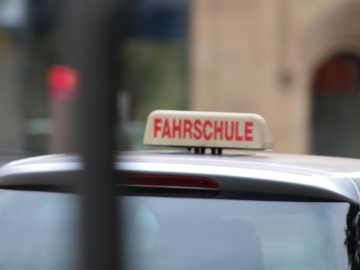 Fahrlehrer kritisieren Fuehrerschein Plaene des Verkehrsministers - Fahrlehrer kritisieren Führerschein-Pläne des Verkehrsministers