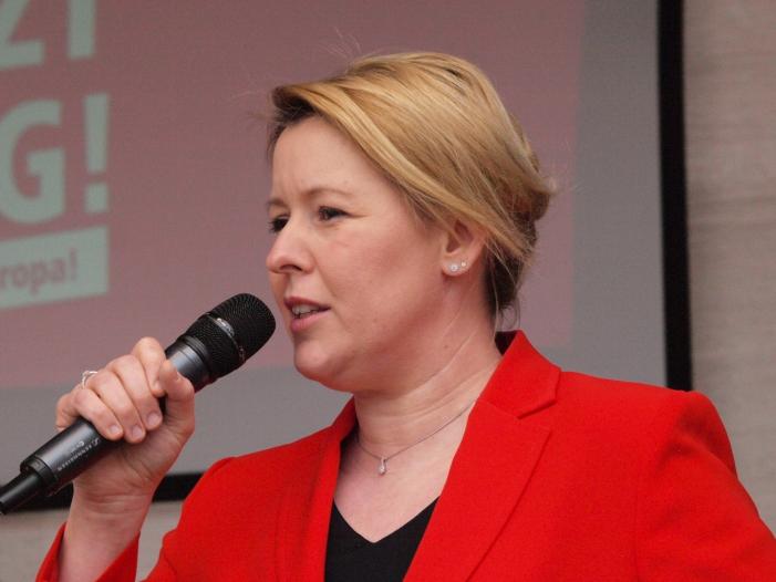 Giffey fordert von kuenftiger SPD Spitze Fokus auf Buergersicherheit - Giffey fordert von künftiger SPD-Spitze Fokus auf Bürgersicherheit