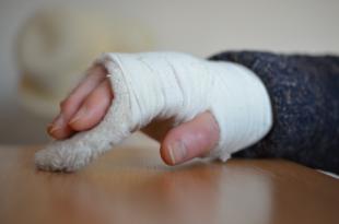 Gips 310x205 - Die deutsche Krankenversicherung ist einzigartig