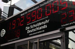 Gruene stellen Schuldenbremse infrage 310x205 - Grüne stellen Schuldenbremse infrage