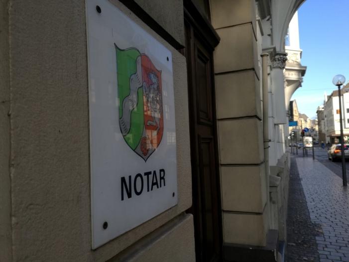 Gruene wollen strengere Regeln fuer Immobilienmakler und Notare - Grüne wollen strengere Regeln für Immobilienmakler und Notare