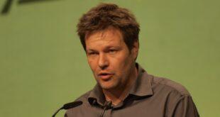 Gruenen Chef Habeck sieht sich als saekularen Christen 310x165 - Grünen-Chef Habeck sieht sich als säkularen Christen