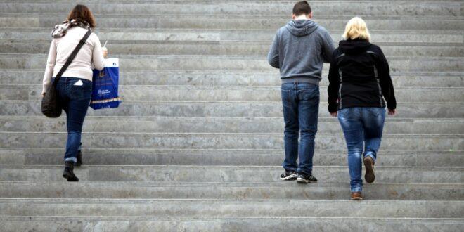 Knapp jeder Zehnte in Deutschland fuehlt sich einsam 660x330 - Knapp jeder Zehnte in Deutschland fühlt sich einsam