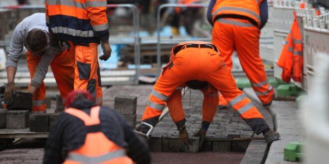 Krankmeldungen in Jobs mit koerperlicher Arbeit deutlich gestiegen 660x330 - Krankmeldungen in Jobs mit körperlicher Arbeit deutlich gestiegen