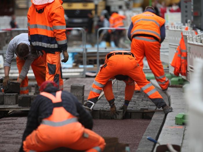 Krankmeldungen in Jobs mit körperlicher Arbeit deutlich gestiegen
