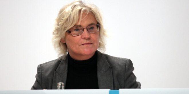 Lambrecht als Bundesjustizministerin vereidigt 660x330 - Lambrecht als Bundesjustizministerin vereidigt