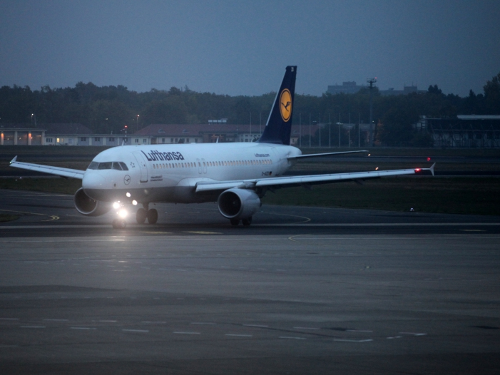 Lufthansa aendert wegen Iran Konflikt Flugrouten - Lufthansa ändert wegen Iran-Konflikt Flugrouten
