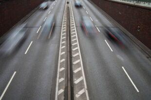 Neuzulassungen von schweren Autos sollen gedrosselt werden 310x205 - Neuzulassungen von schweren Autos sollen gedrosselt werden