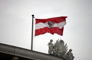 Oesterreichs Bundespraesident vereidigt Uebergangskanzlerin 310x205 - Österreichs Bundespräsident vereidigt Übergangskanzlerin