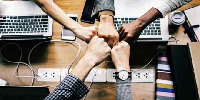 Teamwork 660x330 - Studie: Beschäftigte wollen mehr Mitgestaltungsmöglichkeiten