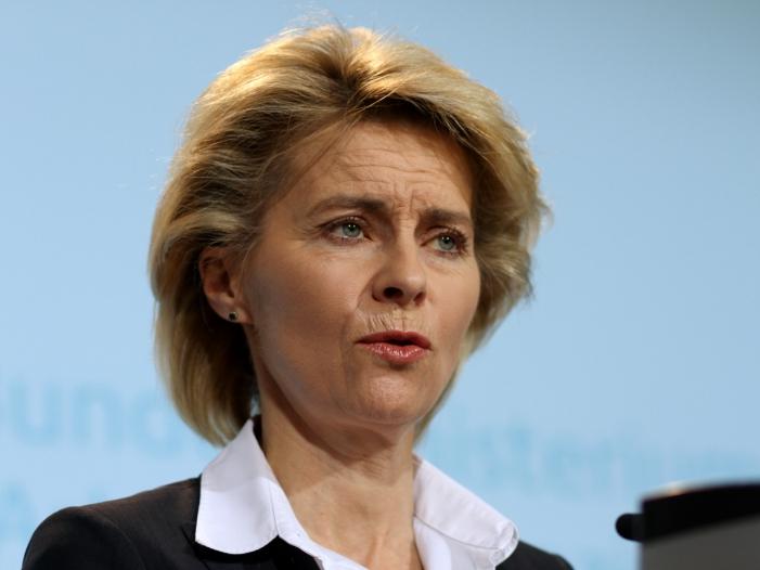 Gruene stellen Verteidigungsministerin schlechtes Zeugnis aus - Grüne stellen Verteidigungsministerin schlechtes Zeugnis aus