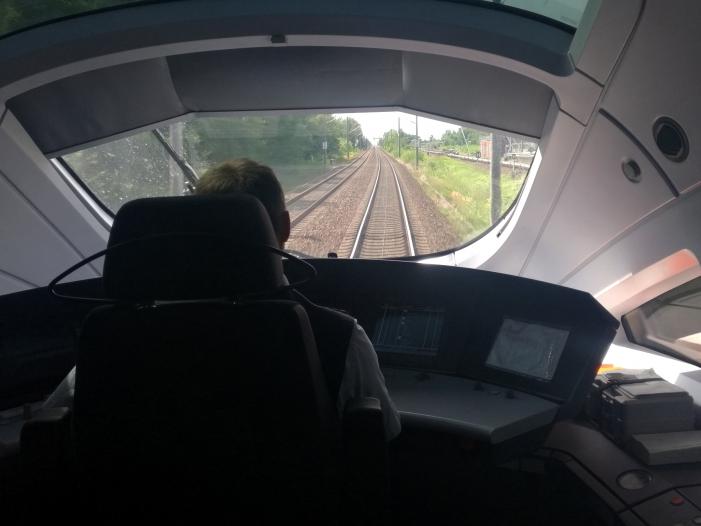 """Photo of Grüne wollen Inlandsflüge durch verbesserte Bahn """"obsolet machen"""""""