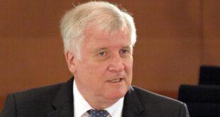 Innenminister unterbricht wegen Frankfurter Vorfall seinen Urlaub 310x165 - Innenminister unterbricht wegen Frankfurter Vorfall seinen Urlaub