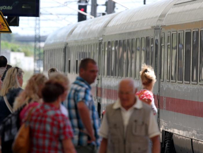 Photo of Justizministerin gegen Erfassung von Zug- und Busreisenden