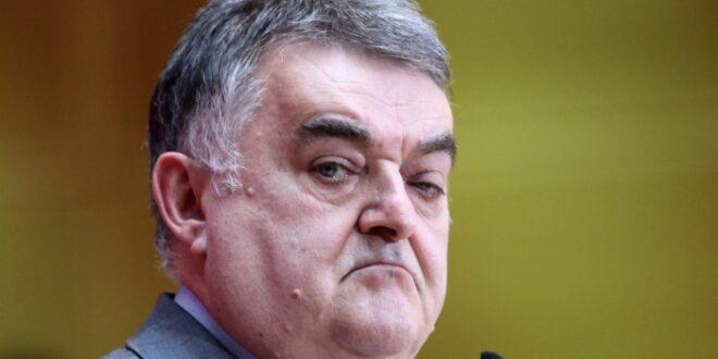 NRW Innenminister Kein konkreter Anschlagsverdacht vor Razzia 660x330 - NRW-Innenminister: Kein konkreter Anschlagsverdacht vor Razzia