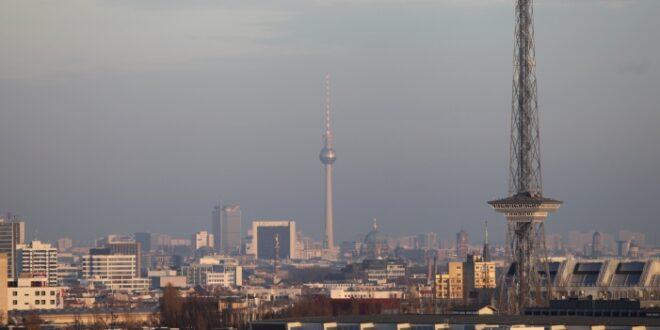Rufe nach vollstaendigen Regierungsumzug nach Berlin werden lauter 660x330 - Rufe nach vollständigen Regierungsumzug nach Berlin werden lauter