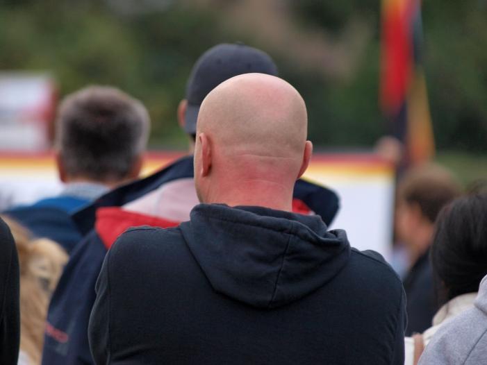 Sachsen will verstärkt gegen Rechtsextremismus vorgehen