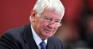Schily kritisiert SPD fuer Ablehnung gegen von der Leyen 310x165 - Schily kritisiert SPD für Ablehnung gegen von der Leyen