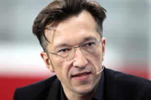 Schriftsteller Lukas Bärfuss erhält Georg Büchner Preis 310x205 - Schriftsteller Lukas Bärfuss erhält Georg-Büchner-Preis