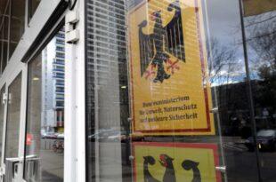 Steuerzahlerbund ruft Regierung zum Komplettumzug nach Berlin auf 310x205 - Steuerzahlerbund ruft Regierung zum Komplettumzug nach Berlin auf
