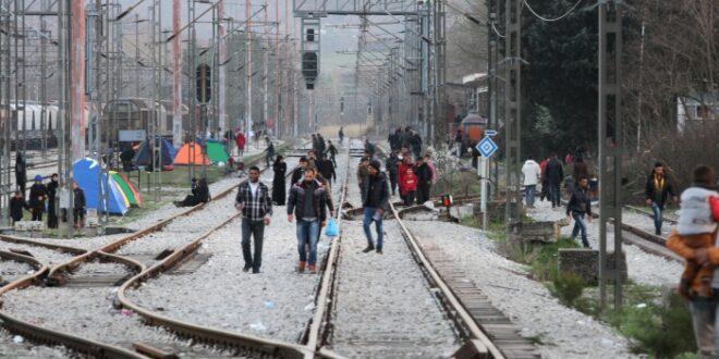 Umfrage Jeder Dritte lehnt Merkels Fluechtlingspolitik ab 660x330 - Umfrage: Jeder Dritte lehnt Merkels Flüchtlingspolitik ab