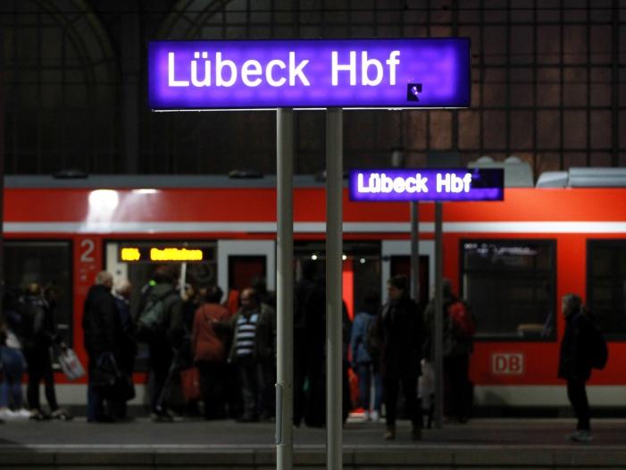 """Photo of Wendt: Keine """"hundertprozentige Sicherheit"""" an Bahnhöfen"""