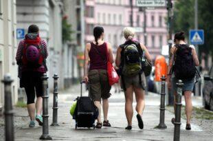 Airbnb legt Zahlen zu Vermietungsgeschaeft offen 310x205 - Airbnb legt Zahlen zu Vermietungsgeschäft offen