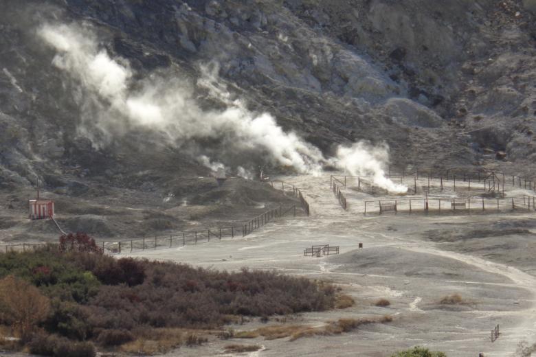 Photo of Campi Flegrei – Supervulkan wird mit neuer Technik kontrolliert