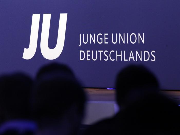 Photo of Chef der Senioren-Union kritisiert Junge Union