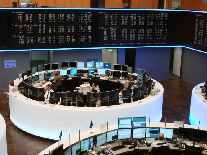 DAX deutlich im Plus SAP Aktie legt kraeftig zu - DAX deutlich im Plus - SAP-Aktie legt kräftig zu