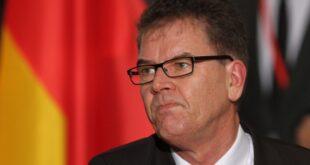 """Entwicklungsminister will Gruenen Knopf im September vorstellen 310x165 - Entwicklungsminister will """"Grünen Knopf"""" im September vorstellen"""