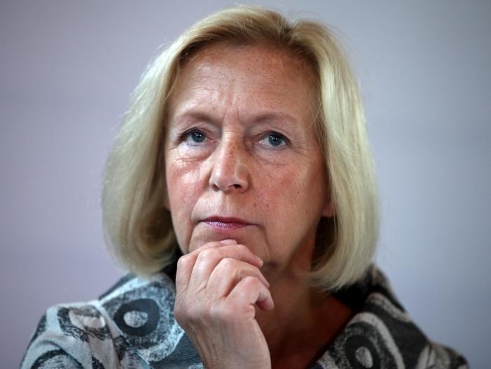 Photo of Ex-Bildungsministerin Wanka für Zentralabitur