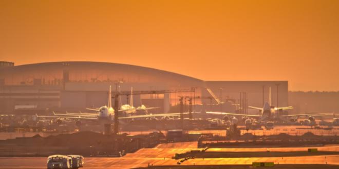 Flughafen Frankfurt 660x330 - Trotz Geschäftsreisen zum Klimaschutz beitragen