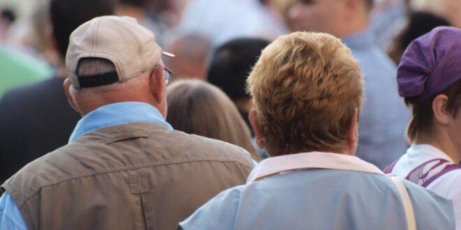 Immer mehr Rentner arbeiten Diskussion entbrannt 660x330 - Immer mehr Rentner arbeiten - Diskussion entbrannt