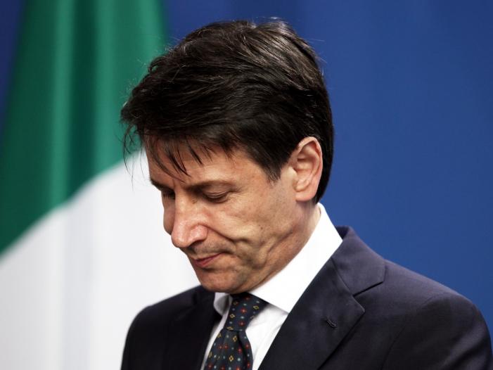 Bild von Italiens Ministerpräsident gibt seinen Rücktritt bekannt