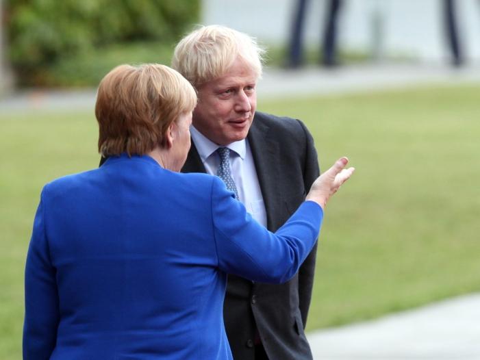 """Johnson fuehlt sich durch Gespraech mit Merkel bestaerkt - Johnson fühlt sich durch Gespräch mit Merkel """"bestärkt"""""""