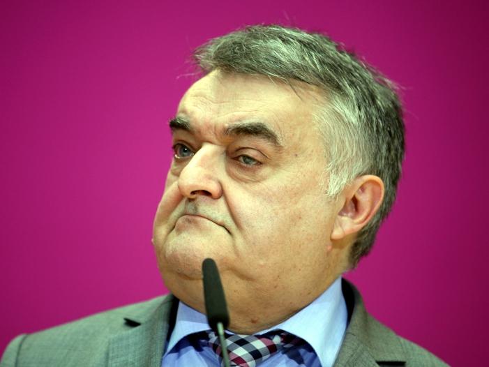 NRW Innenminister will Kriminalpolizei verstaerken - NRW-Innenminister will Kriminalpolizei verstärken