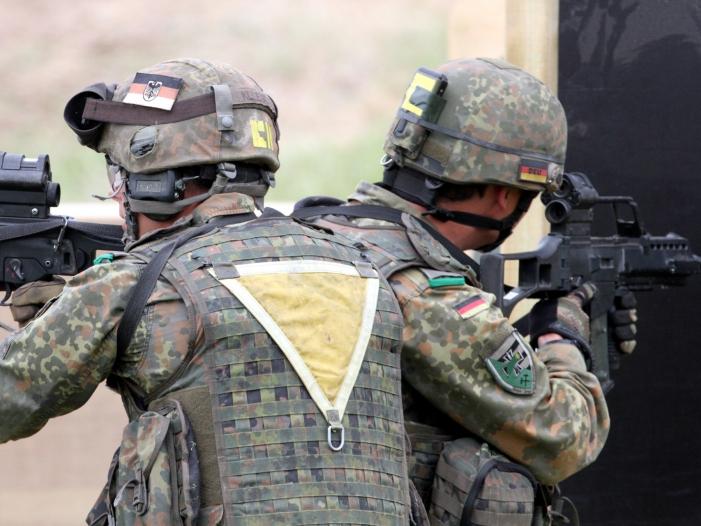 Opposition gegen Verlaengerung des Irak Einsatzes der Bundeswehr - Opposition gegen Verlängerung des Irak-Einsatzes der Bundeswehr