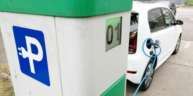 Regierung vom Ausbauziel fuer Elektroauto Tankstellen weit entfernt 660x330 - Regierung vom Ausbauziel für Elektroauto-Tankstellen weit entfernt