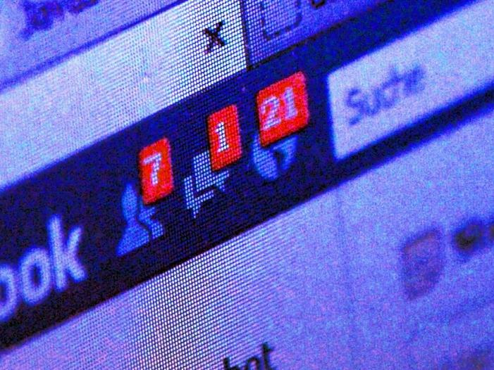 Richterbund fordert haertere Vorgaben fuer Facebook und Co - Richterbund fordert härtere Vorgaben für Facebook und Co.