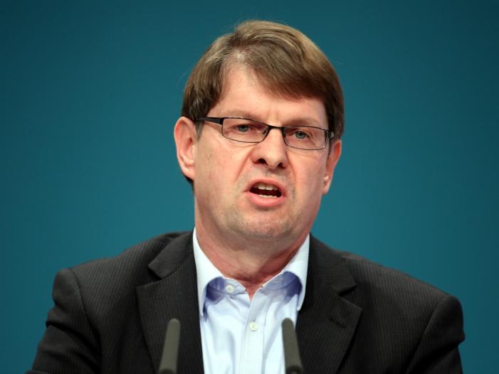 """SPD Parteivorsitz Stegner haelt sich Kandidatur offen - SPD-Krise: Bundesvize Ralf Stegner fordert """"Doppelstrategie"""""""