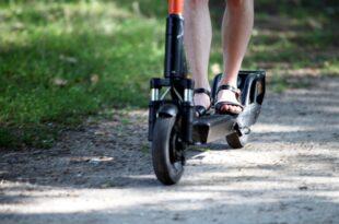 SPD Umweltpolitiker Thews kritisiert Oekobilanz der E Scooter 310x205 - SPD-Umweltpolitiker Thews kritisiert Ökobilanz der E-Scooter