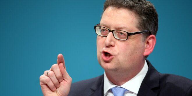 Schaefer Guembel verteidigt SPD Kandidatensuche 660x330 - Schäfer-Gümbel verteidigt SPD-Kandidatensuche