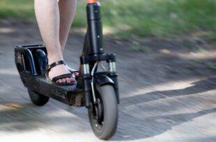 Sozialverband VdK will schärfere Regelungen für E Scooter 310x205 - Sozialverband VdK will schärfere Regelungen für E-Scooter