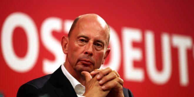 Tiefensee will weniger bekannte SPD Vorsitzbewerber unterstuetzen 660x330 - Tiefensee will weniger bekannte SPD-Vorsitzbewerber unterstützen