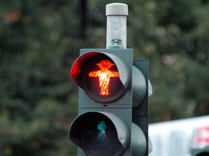Verkehrsminister will Ampeln und Laternen zu 5G Sendemasten machen - Verkehrsminister will Ampeln und Laternen zu 5G-Sendemasten machen