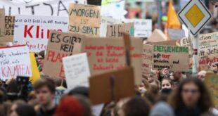 """Aktivisten kündigen vor Klimastreik zivilen Ungehorsam an 310x165 - Aktivisten kündigen vor Klimastreik """"zivilen Ungehorsam"""" an"""