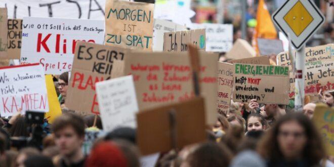 """Aktivisten kündigen vor Klimastreik zivilen Ungehorsam an 660x330 - Aktivisten kündigen vor Klimastreik """"zivilen Ungehorsam"""" an"""