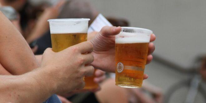 Deutsche kaufen weniger Bier Helles legt zu Weizen stürzt ab 660x330 - Deutsche kaufen weniger Bier: Helles legt zu, Weizen stürzt ab