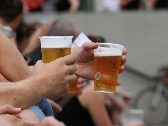 Deutsche kaufen weniger Bier Helles legt zu Weizen stürzt ab - Deutsche kaufen weniger Bier: Helles legt zu, Weizen stürzt ab